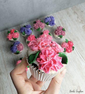 çiçekli Cupcake Ankara
